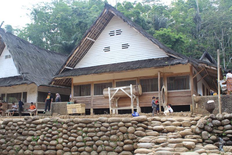 7 Rumah Adat Jawa Barat Nama Keunikan Penjelasan Dan Gambarnya