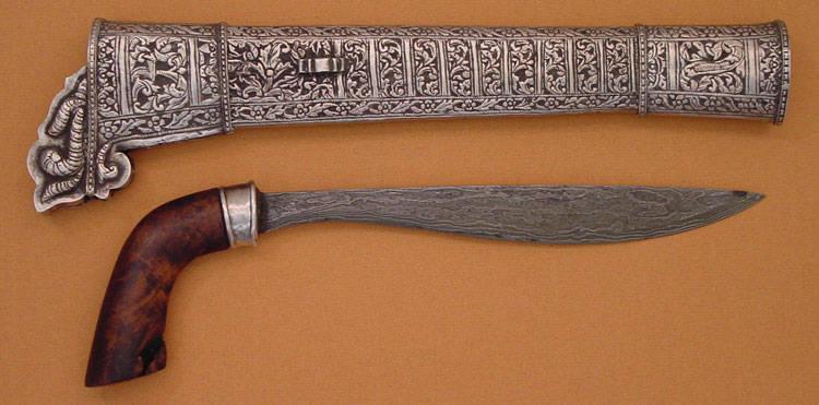 Senjata Tradisional Badik