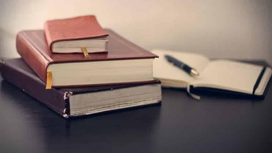 Contoh Teks Ulasan Buku