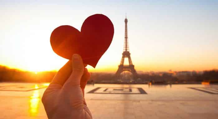 Puisi Cinta Pendek Menyentuh Hati