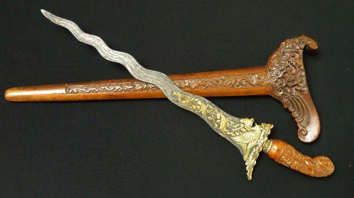 2. Keris, Senjata Adat Suku Jawa