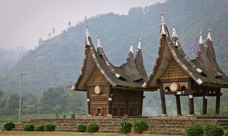 Asal Usul Bentuk Rumah Adat Sumatera Barat