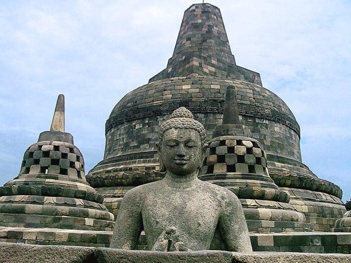 Penemuan Kembali Borobudur