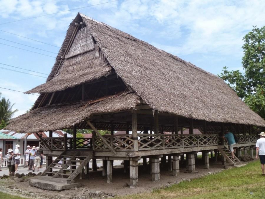 Rumah Baileo (Rumah Adat Provinsi Maluku)