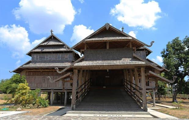 Rumah Dalam Loka (Rumah Adat Provinsi Nusa Tenggara Barat)