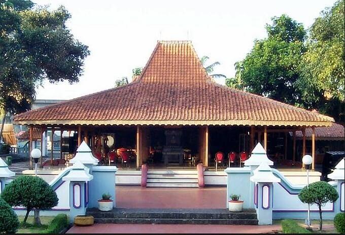 Rumah Joglo Situbondo (Rumah Adat Provinsi Jawa Timur)