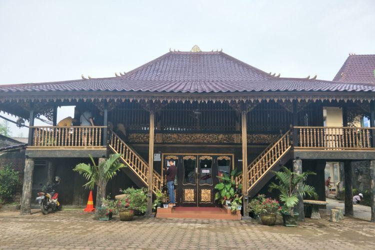 Rumah Limas (Rumah Adat Provinsi Sumatra Selatan)