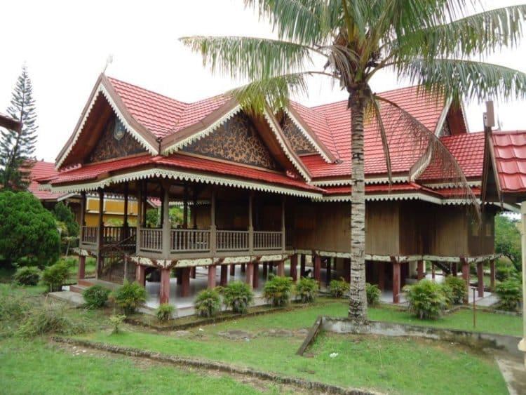 Rumah Panggung Kajang Leko (Rumah Provinsi Adat Jambi)