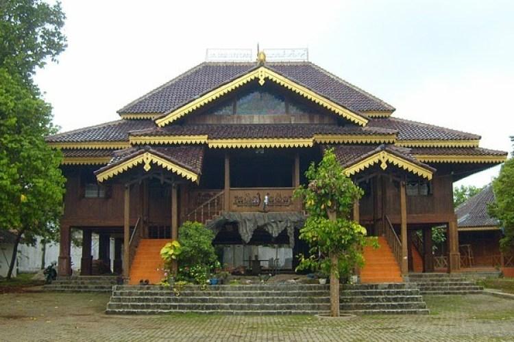 Rumah Rakyat (Rumah Adat Provinsi Bengkulu)