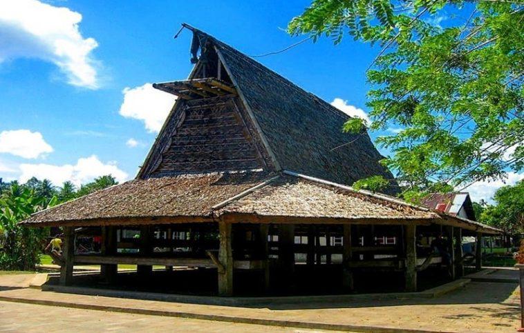 Rumah Sasadu (Rumah Adat Provinsi Maluku Utara)