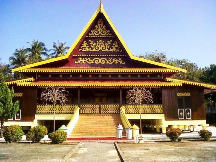 Rumah Selaso Jatuh Kembar (Rumah Tradisional Riau)