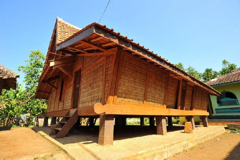 Rumah Sunda (Rumah Adat Provinsi Jawa Barat)