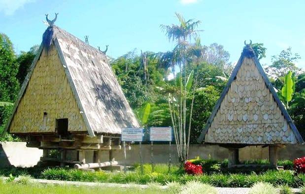 Rumah Tambi (Rumah Adat Provinsi Sulawesi Tengah)