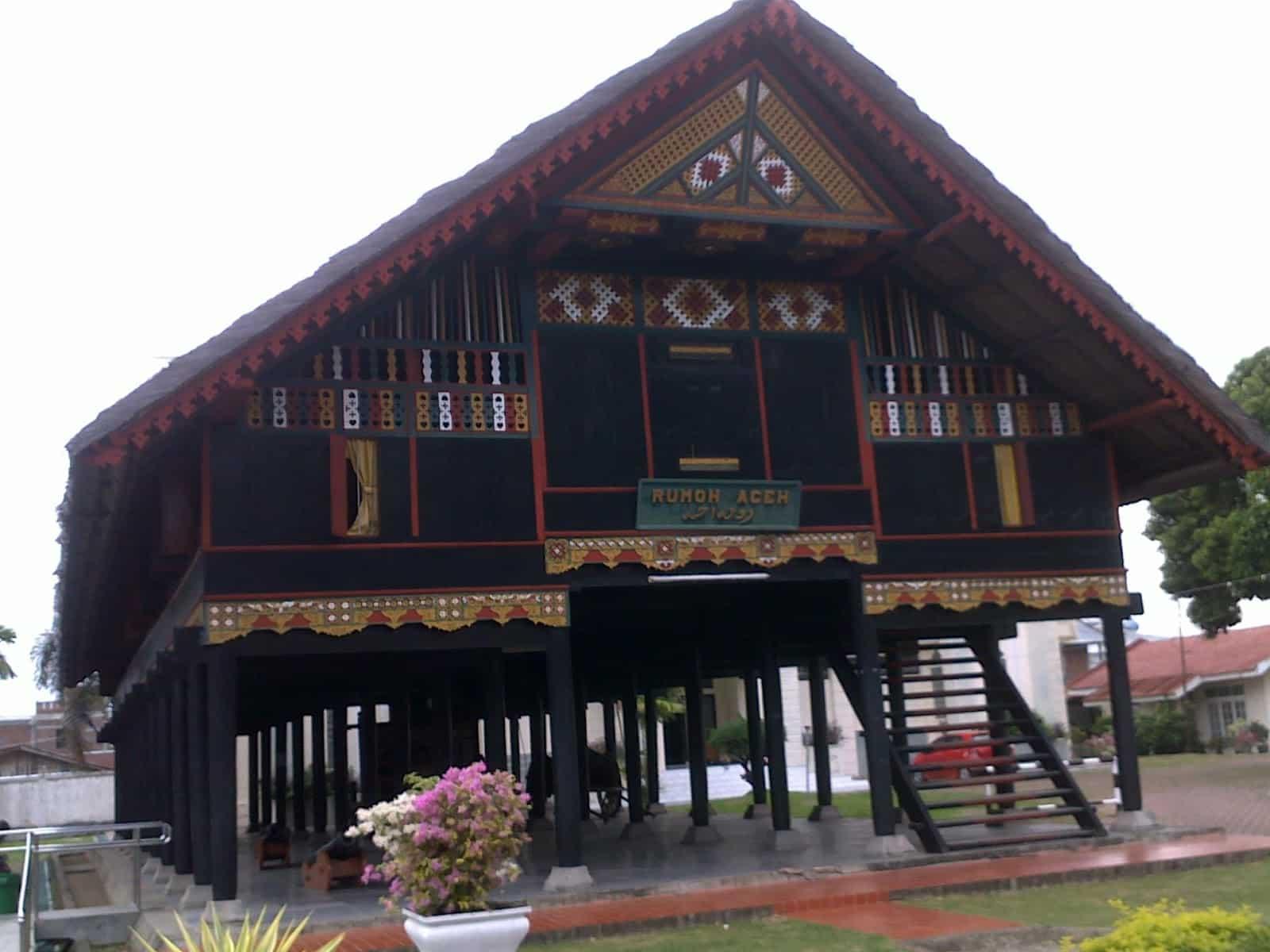 Tahap Pembuatan Rumoh Aceh
