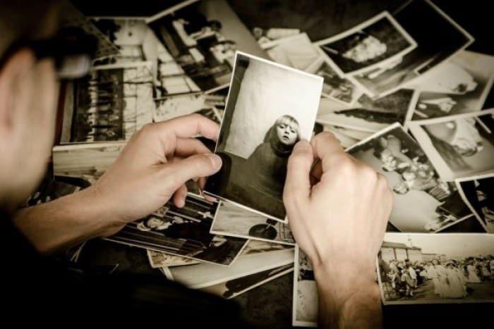 Aku Bersama Sebingkai Foto