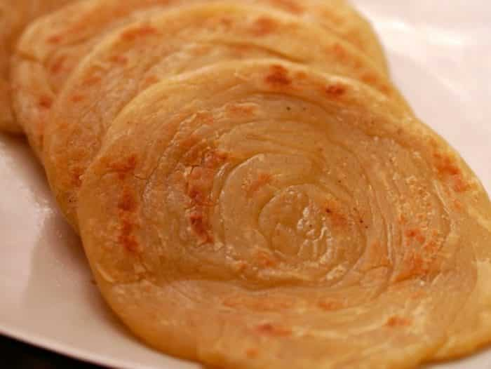 Pembuatan Resep Roti Maryam Berisi Pisang