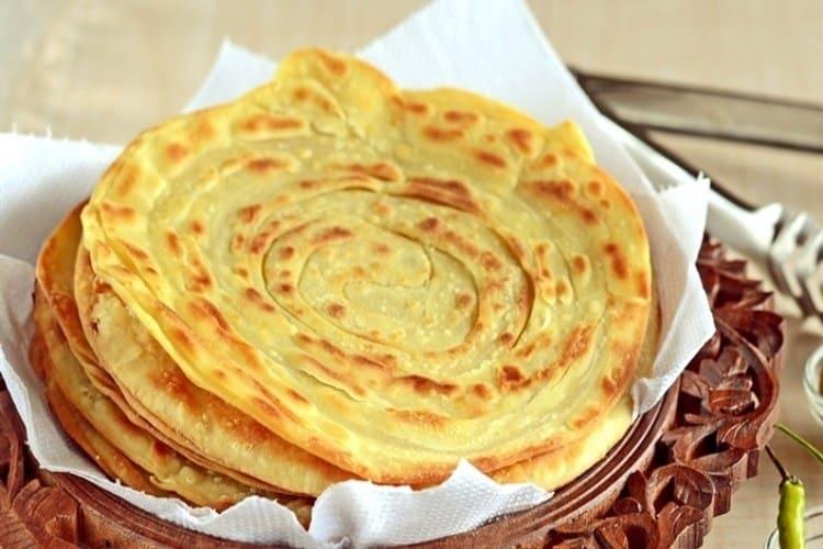 Pembuatan Resep Roti Maryam Yang Berisi Daging Ayam
