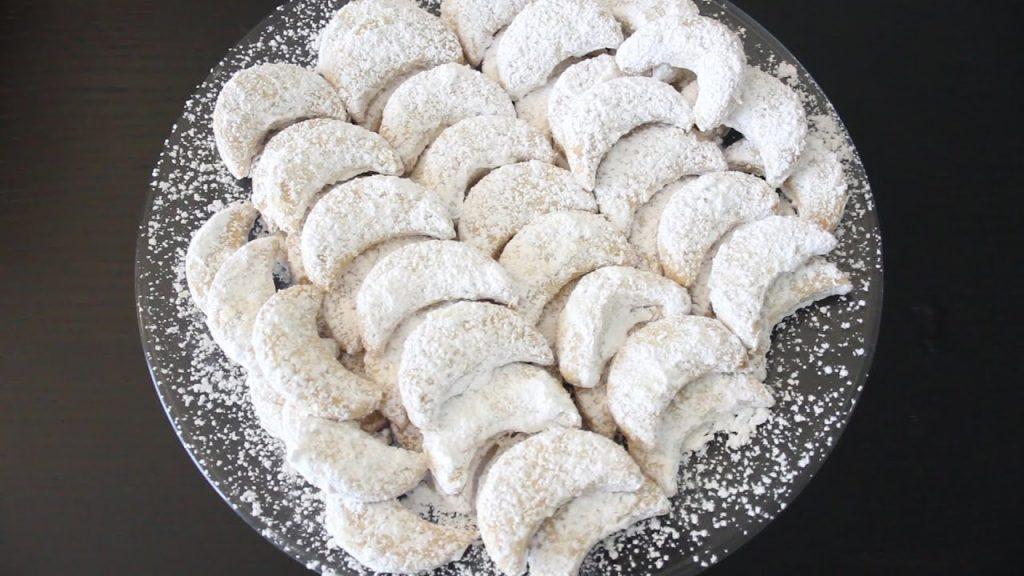 Resep Kue Putri Salju Plus Kacang Mede