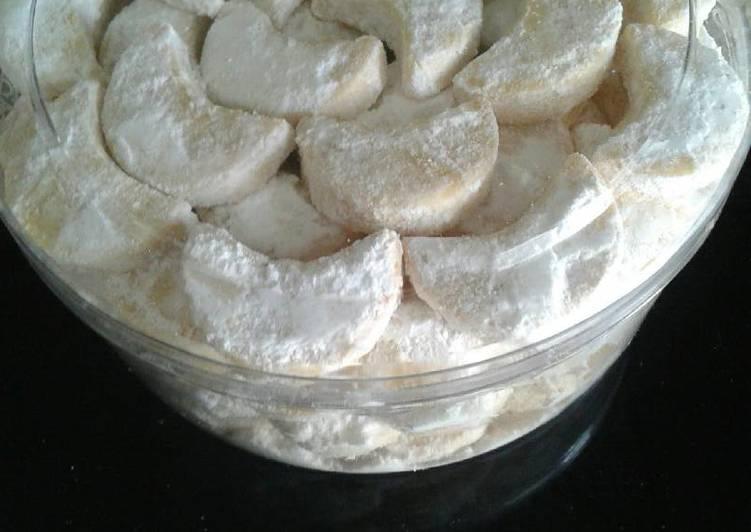 Resep Kue Putri Salju Plus Susu Bubuk