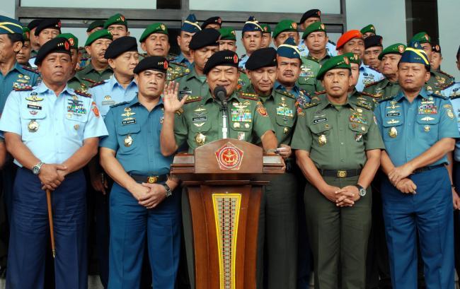 PERWIRA MENENGAH TNI ANGKATAN LAUT