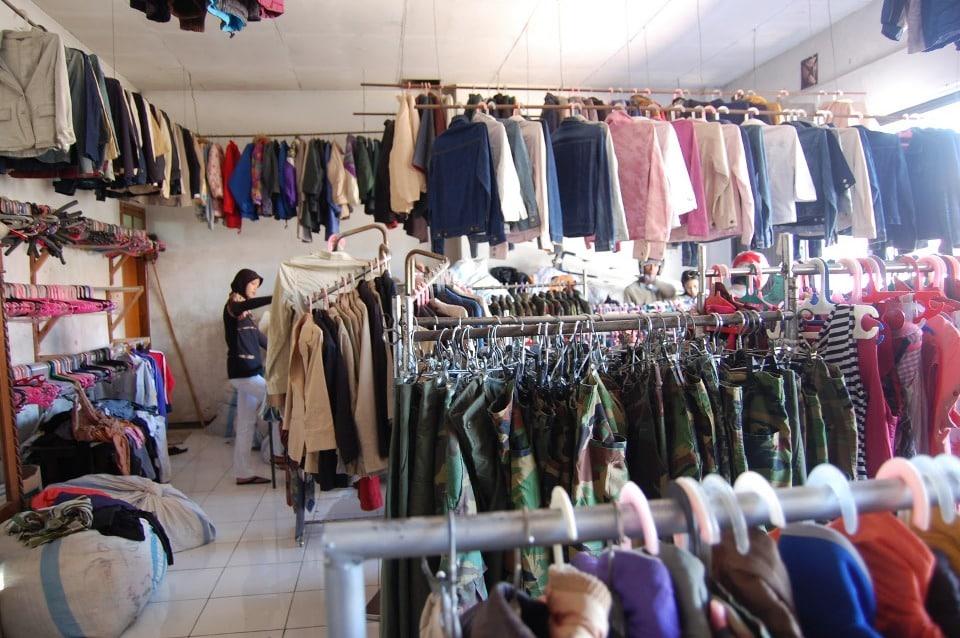 Jual Pakaian Sesuai Trend Pasar