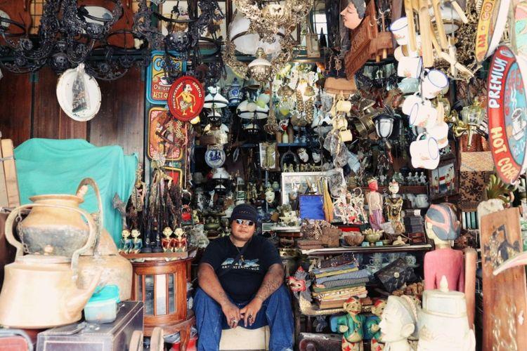 Menjual Barang Lama